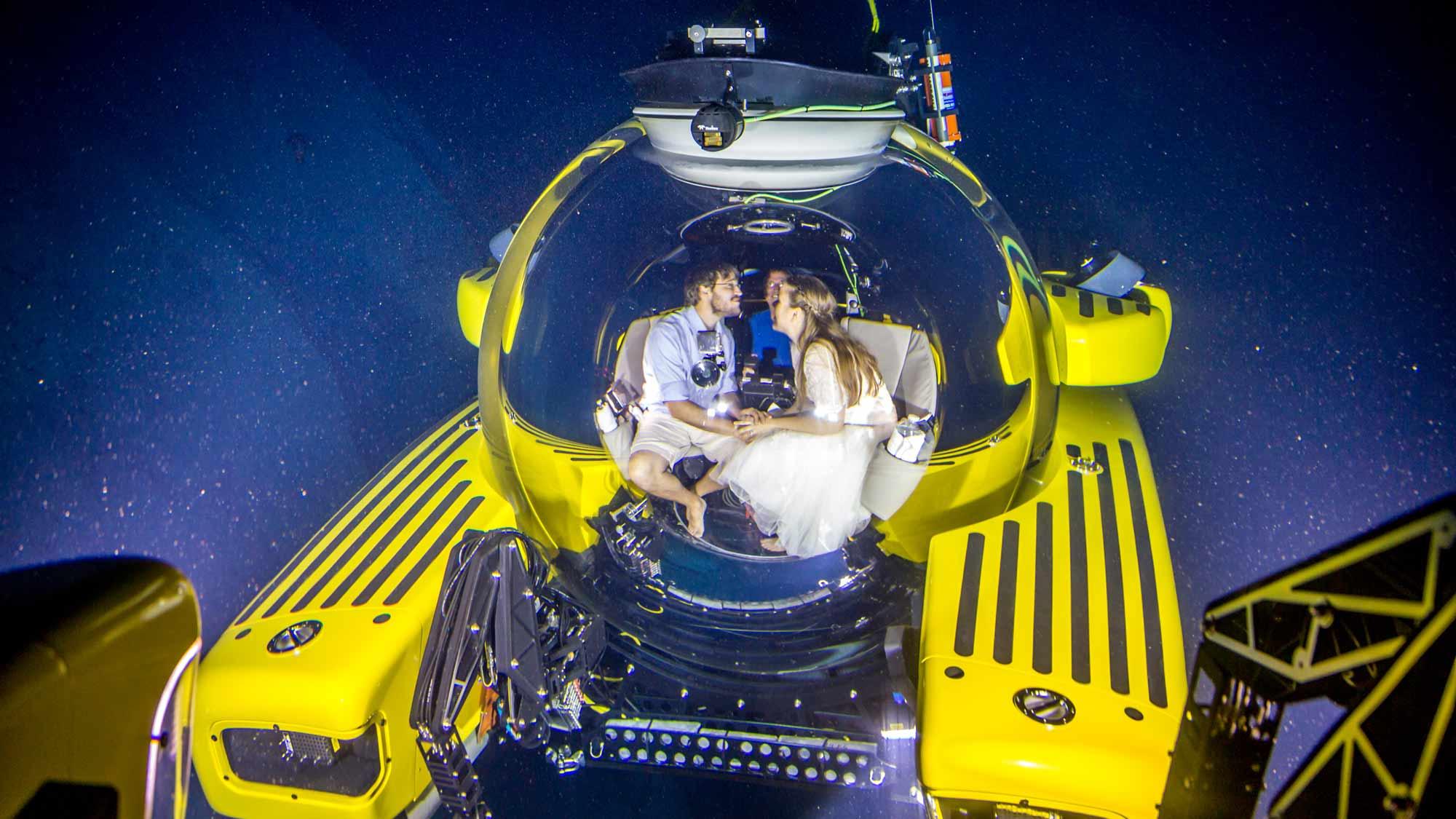 Taking The Plunge! A 1000m Romance     - Triton Submarines