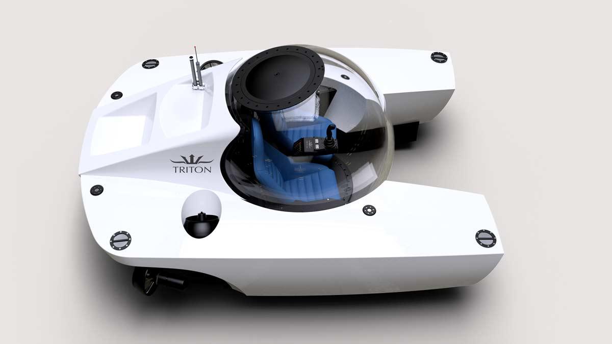 Triton 660/2 in white with blue interior
