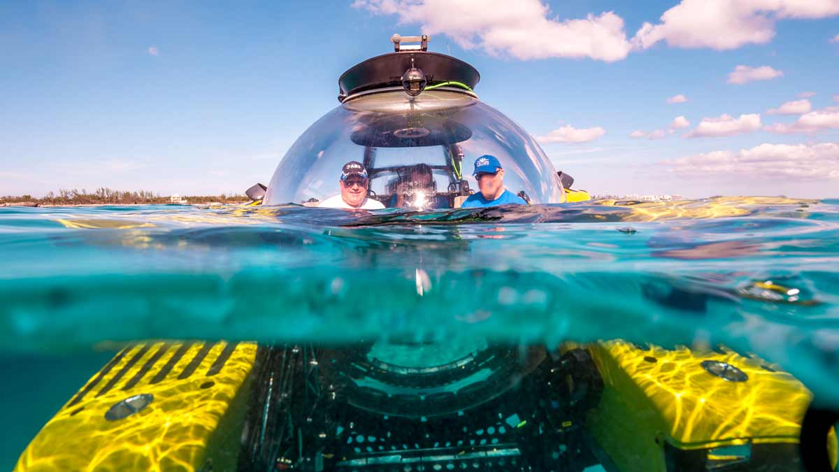 Three guests enjoying a Triton leisure submersible